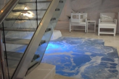 Stainless-Steel-goes-well-with-the-ice-cave-effect-and-the-stain