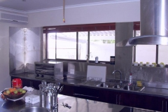 Kitchen-counters-and-back-wash-was-cladded-with-stainless-steel