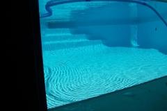 Aquarium-Port-hole-in-to-pool