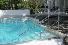 b-Custom-stainless-steel-flatbar-pool-handrail